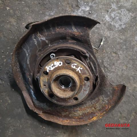 Rear wheel bearing hub