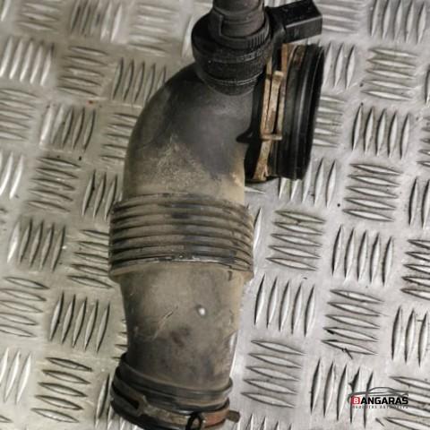 Air intake hose pipe