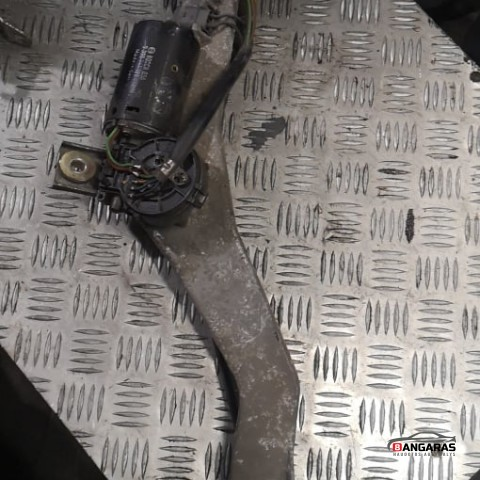 Front wiper linkage and motor