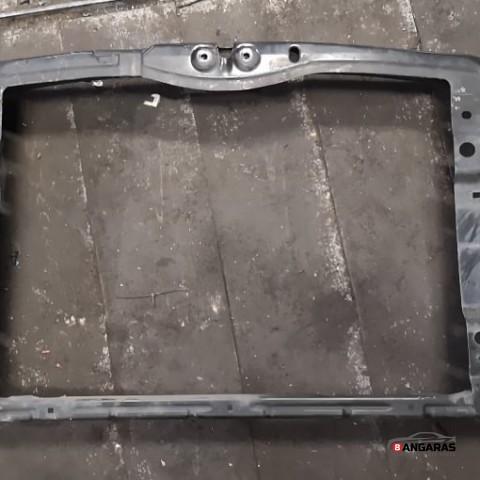 Radiator support slam panel